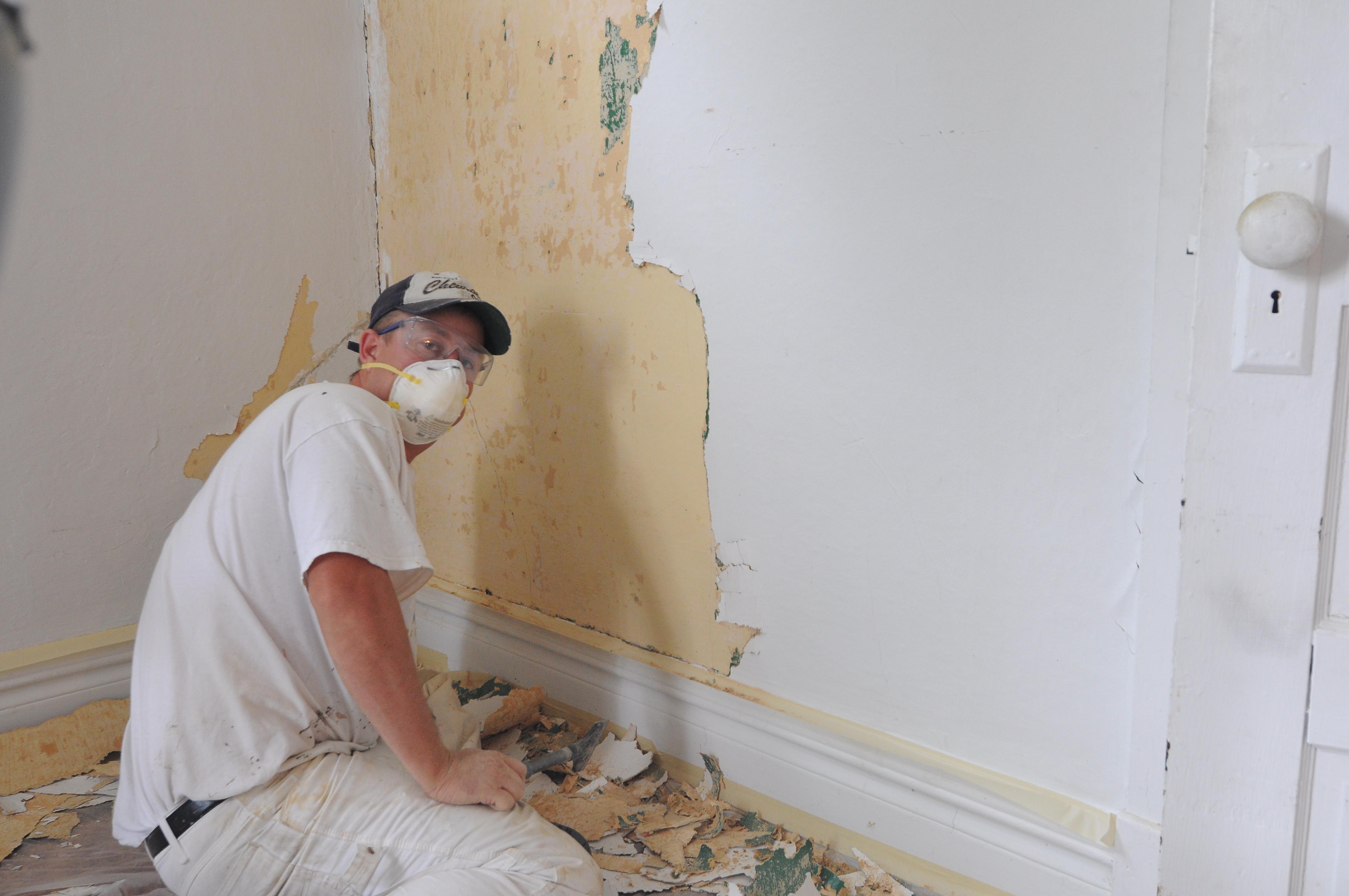 Removing Wallpaper And Repairing Walls DSC 1045 1039